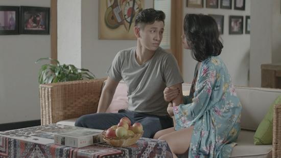 Đỏ mặt với nụ hôn táo bạo của Angela Phương Trinh và Rocker Nguyễn trong tập 1 Glee-8
