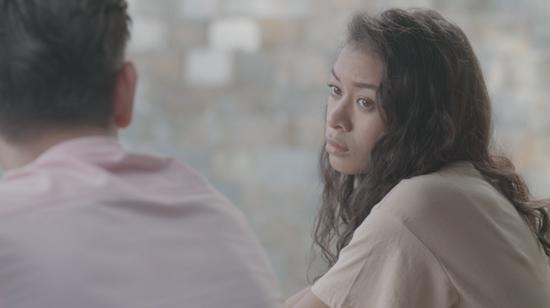 Đỏ mặt với nụ hôn táo bạo của Angela Phương Trinh và Rocker Nguyễn trong tập 1 Glee-9