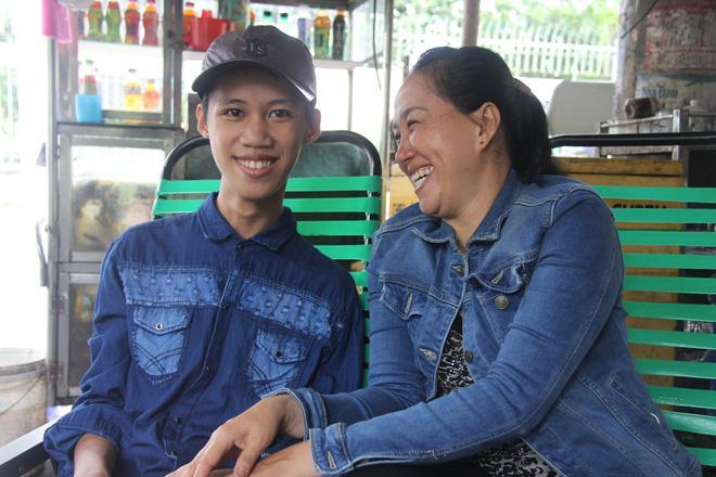 Tìm thấy con trai bị tâm thần mất tích sau 2 tháng, người mẹ vỡ òa hạnh phúc-2