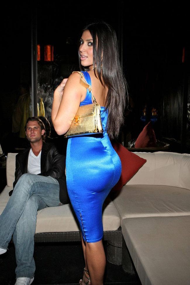 Cuối cùng, Kim Kardashian đã thú nhận bơm vòng 3 nhưng với lý do không ai ngờ tới-2