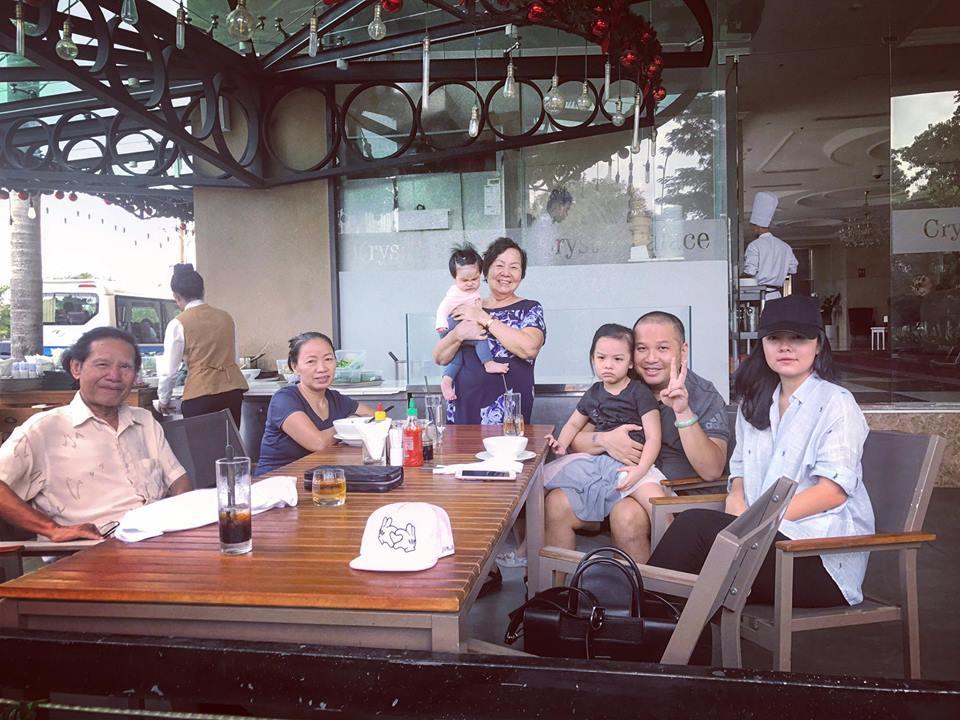 Tin sao Việt 19/8: Vy Oanh khoe cận mặt tiểu công chúa dễ thương chưa đầy 1 tháng tuổi-8
