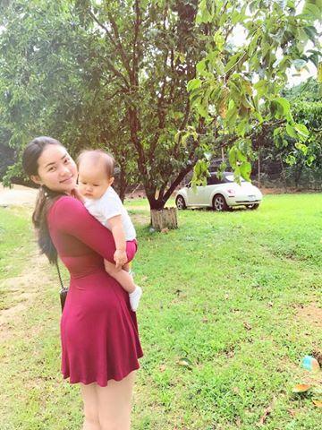 Tin sao Việt 19/8: Vy Oanh khoe cận mặt tiểu công chúa dễ thương chưa đầy 1 tháng tuổi-10