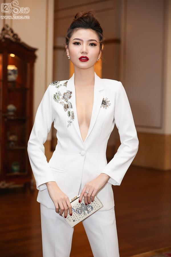 Cận cảnh vương miện 2,7 tỷ đồng thiết kế riêng cho tân Hoa hậu Hoàn Vũ Việt Nam 2017-10