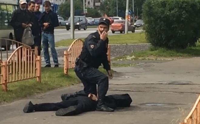 Châu Âu lại rúng động vì vụ tấn công bằng dao khiến 8 người bị thương-1