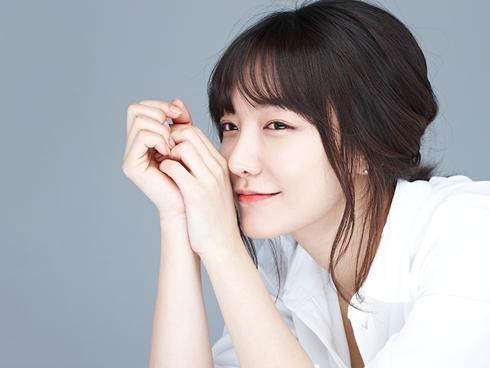 """Chân dung cô nàng """"xấu nhưng biết phấn đấu"""" của màn ảnh Hàn"""
