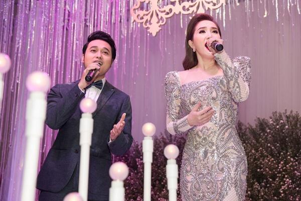 Tái xuất với Ngôi nhà hoa hồng trong đám cưới anh trai, Bảo Thy - Quang Vinh vẫn tình tứ như xưa-7
