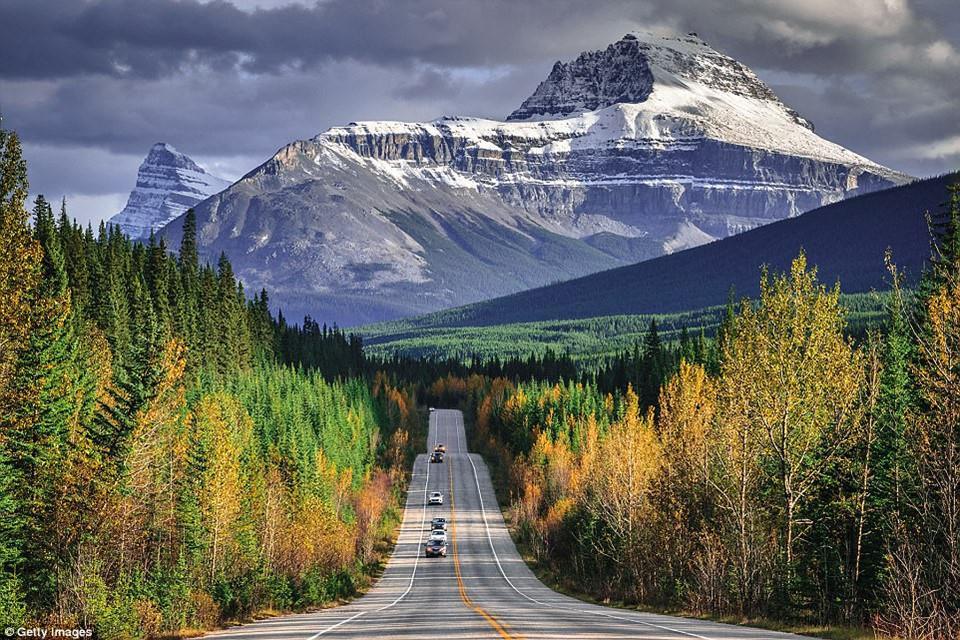 Du ngoạn dọc theo những quãng đường đẹp nhất thế giới-2
