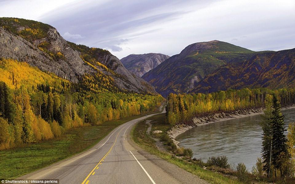 Du ngoạn dọc theo những quãng đường đẹp nhất thế giới-9