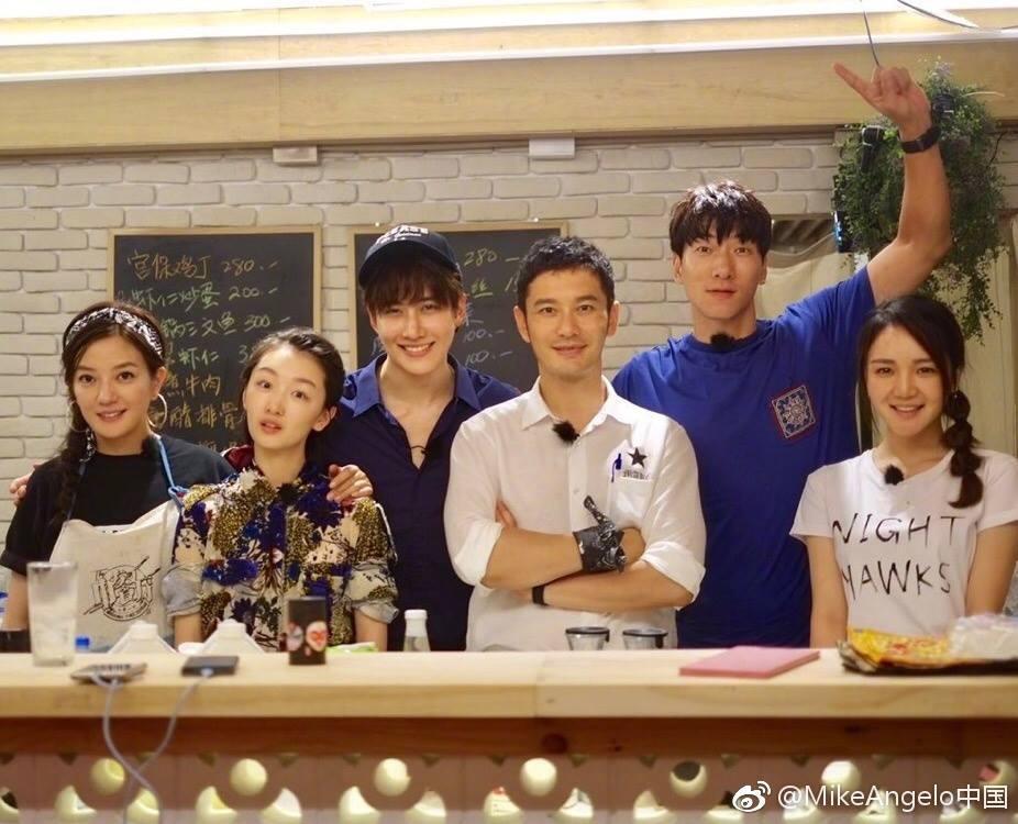 Đã rất lâu rồi Triệu Vy mới lại khoe giọng hát ngọt ngào trên sóng truyền hình-3