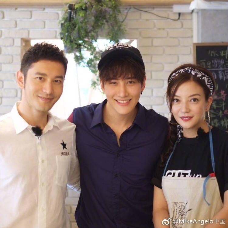 Đã rất lâu rồi Triệu Vy mới lại khoe giọng hát ngọt ngào trên sóng truyền hình-5
