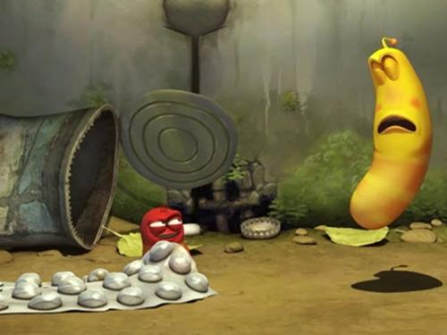 Ấu trùng Larva và thứ đồ chơi 'từ trên giời rơi xuống'