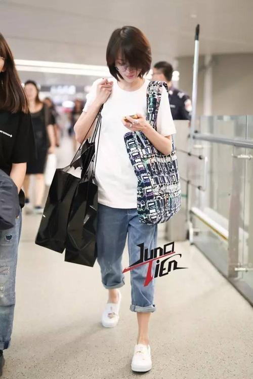 Bận quần đùi ra sân bay, đi sự kiện không thèm make up, nữ thần học đường Trịnh Sảng ngày càng xuề xòa-6