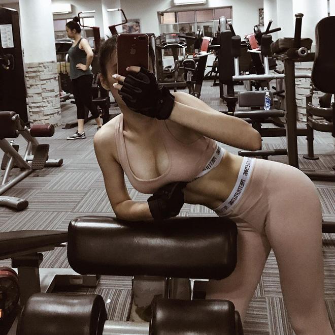 Angela Phương Trinh thiêu đốt ánh nhìn với body quả táo vạn người mê-6