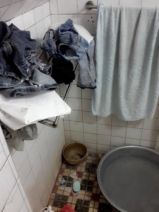 Hốt hoảng phòng trọ bẩn như chuồng lợn của nữ sinh Việt-3
