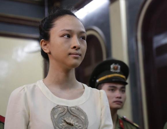 Nhan sắc biến đổi chóng mặt của Hoa hậu Phương Nga sau 2 tháng ra tù-9
