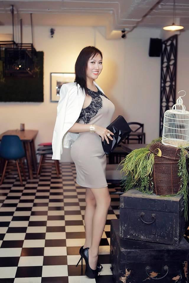 Đã xây lại 3 vòng, Phi Thanh Vân vẫn bị bóc mẽ photoshop ảnh nuột đến méo tường-7