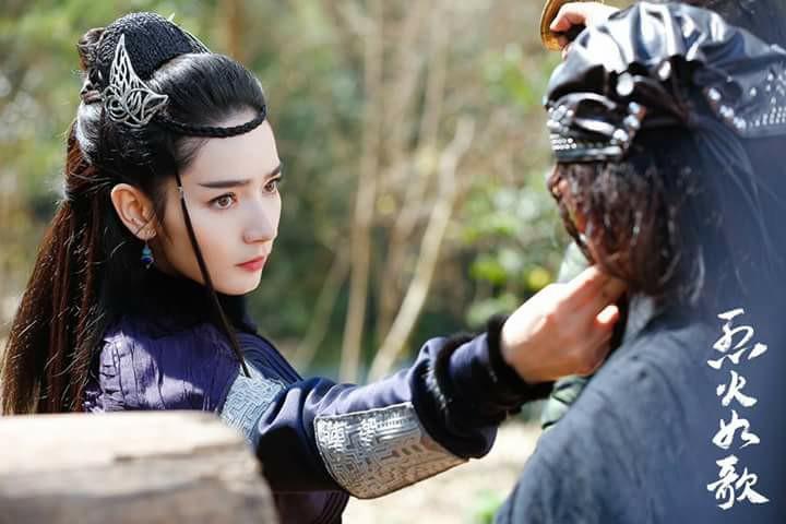 Cận cảnh nhan sắc gà mới của Dương Mịch, đẹp chẳng kém cạnh Địch Lệ Nhiệt Ba-3