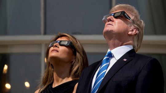 Những khoảnh khắc ấn tượng về nhật thực toàn phần tại Mỹ-2