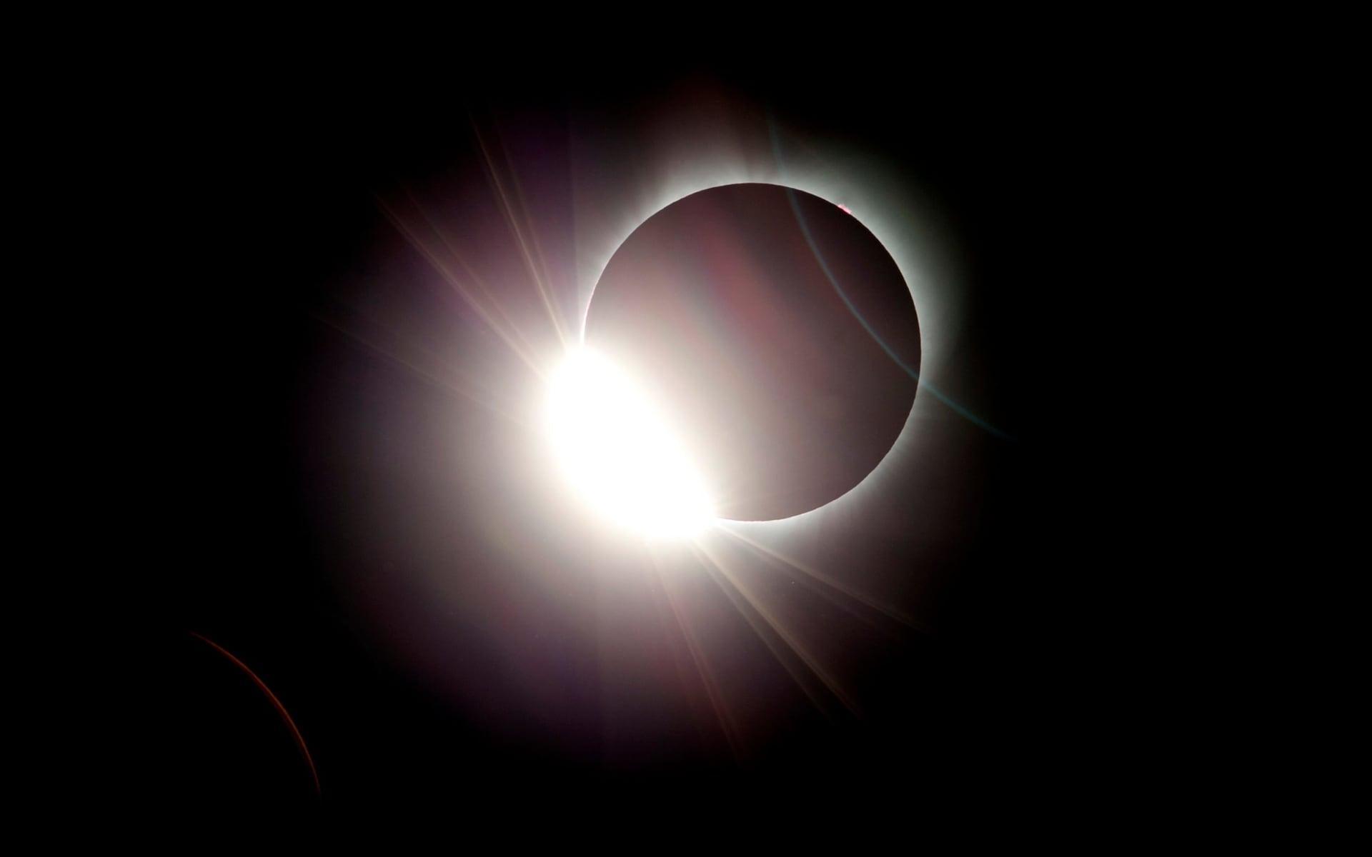 Những khoảnh khắc ấn tượng về nhật thực toàn phần tại Mỹ-3
