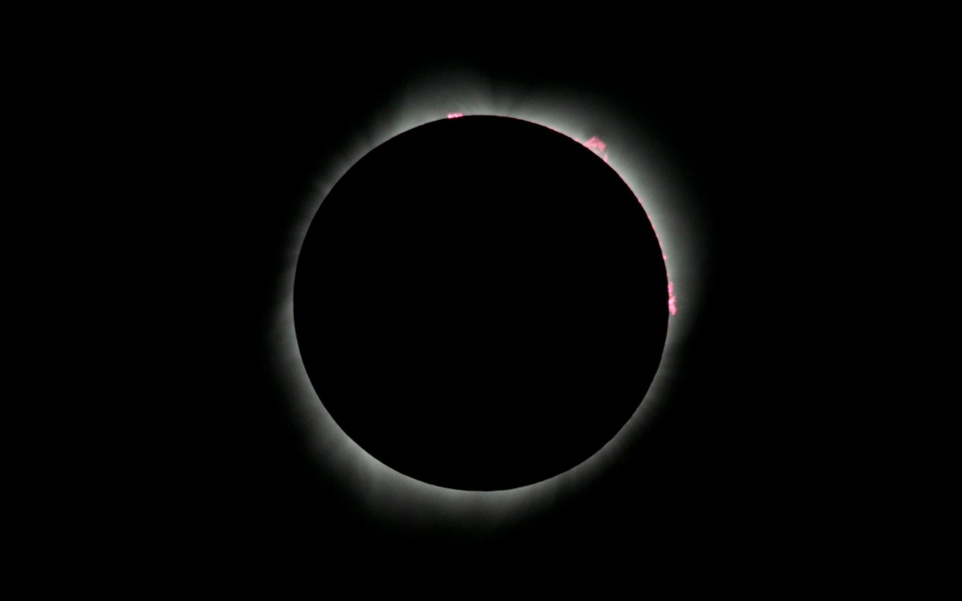 Những khoảnh khắc ấn tượng về nhật thực toàn phần tại Mỹ-6