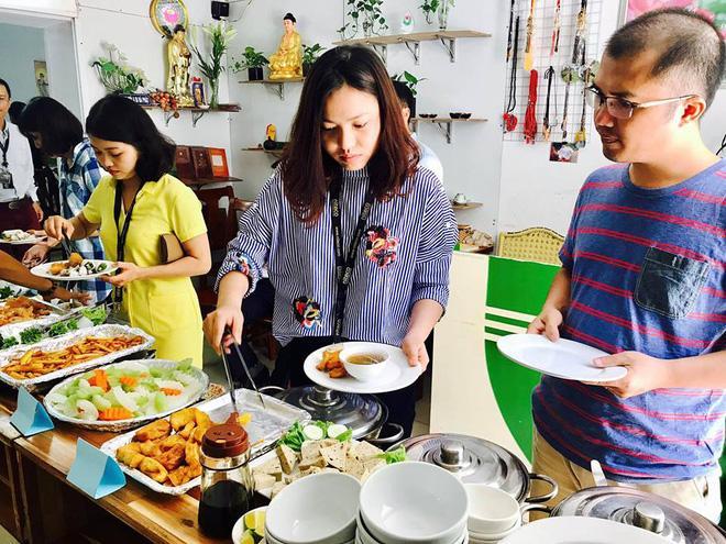 8 địa chỉ buffet chay cực bình dân nên thử ngay cho ngày đầu tháng Vu Lan-1