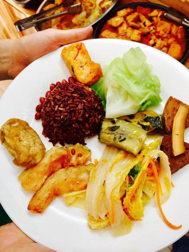 8 địa chỉ buffet chay cực bình dân nên thử ngay cho ngày đầu tháng Vu Lan-5