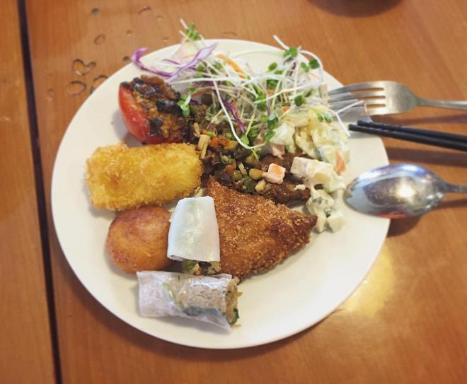 8 địa chỉ buffet chay cực bình dân nên thử ngay cho ngày đầu tháng Vu Lan-9