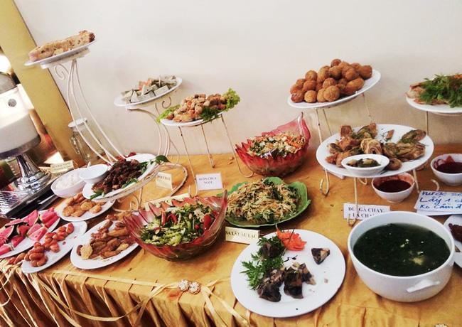 8 địa chỉ buffet chay cực bình dân nên thử ngay cho ngày đầu tháng Vu Lan-14