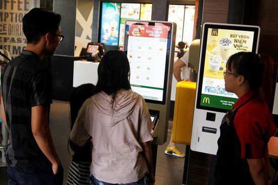 Chọn món McDonalds tự động: trải nghiệm sành điệu-2