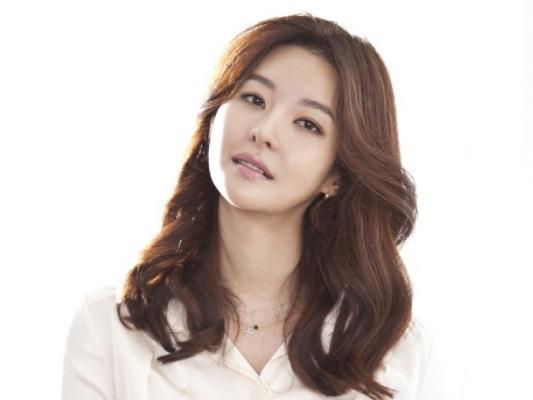 Sao Hàn 22/8: Chồng nữ diễn viên 'Hoa hậu Hàn Quốc' bị giết chết