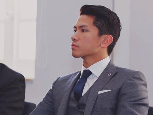 Hoàng tử Brunei điển trai 'gây bão' khi tham gia SEA Games