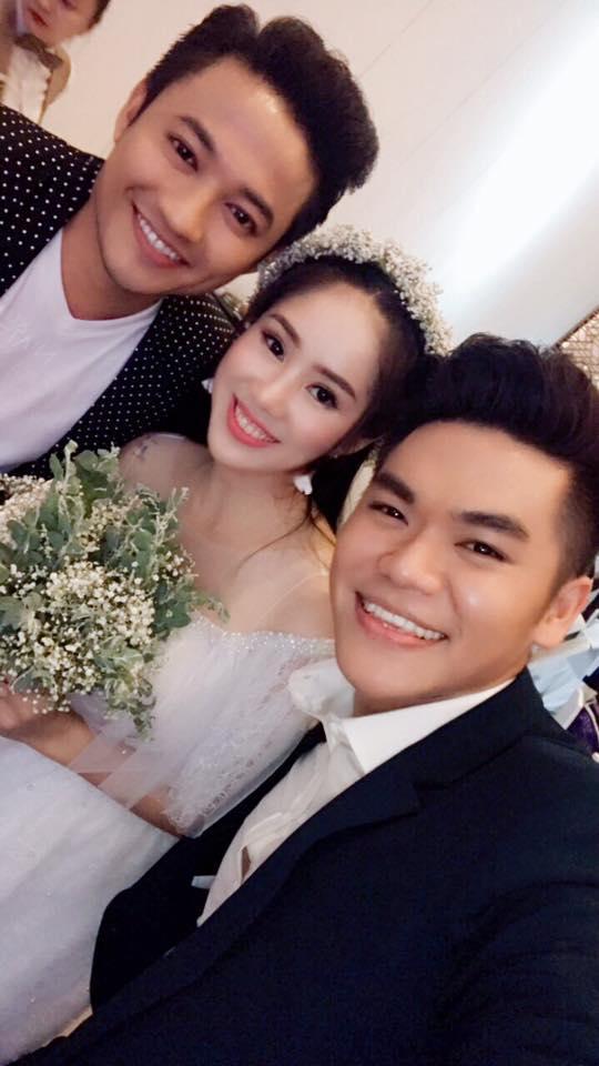 Tin sao Việt 23/8: Lê Phương chụp hình chung với chồng mới cưới và tình cũ Quý Bình-1