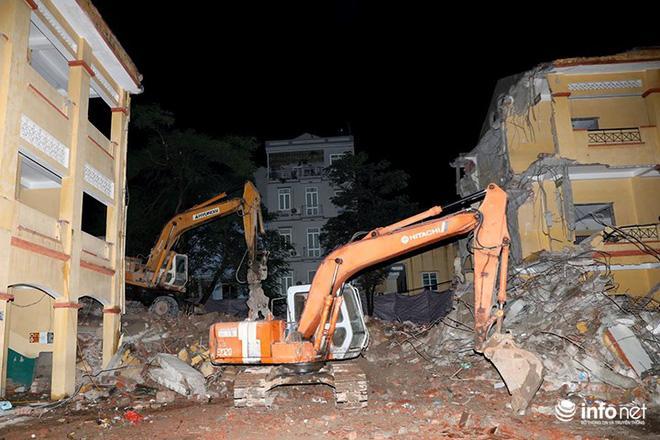 Hà Nội: Sập tường trường Tiểu học Đồng Tâm, nhiều người may mắn thoát nạn-1