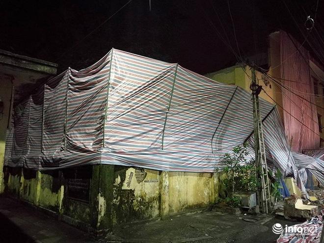 Hà Nội: Sập tường trường Tiểu học Đồng Tâm, nhiều người may mắn thoát nạn-7