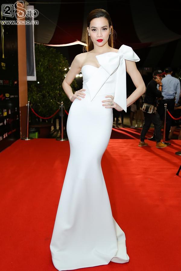 Dàn mỹ nhân Việt đồng loạt diện sắc trắng đẹp thoát tục trên thảm đỏ thời trang tuần này-4