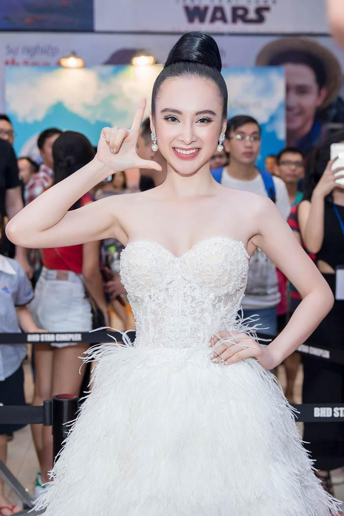 Dàn mỹ nhân Việt đồng loạt diện sắc trắng đẹp thoát tục trên thảm đỏ thời trang tuần này-8