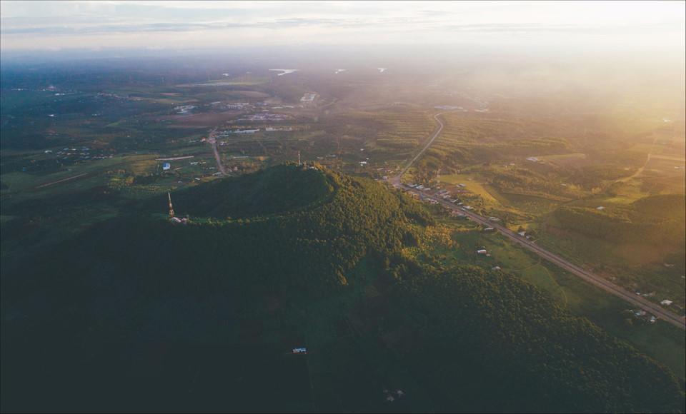 Phố núi Gia Lai đẹp hùng vĩ trong ảnh Dấu ấn Việt Nam-7