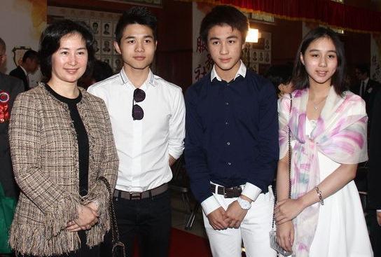 Sau Vương Tư Thông, Trung Quốc có thêm thế hệ thiếu gia mới nổi đúng chuẩn đẹp trai, con nhà giàu, học giỏi-9