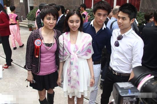 Sau Vương Tư Thông, Trung Quốc có thêm thế hệ thiếu gia mới nổi đúng chuẩn đẹp trai, con nhà giàu, học giỏi-10