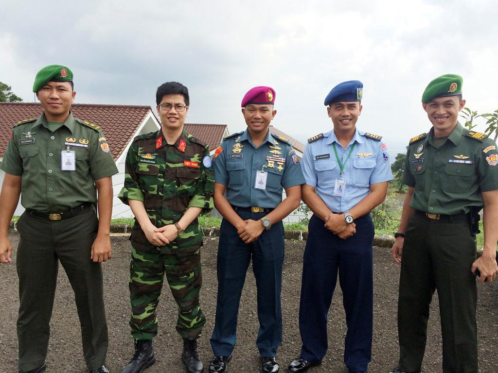 Từ thí sinh Olympia đến sĩ quan gìn giữ hòa bình Liên Hợp Quốc-4