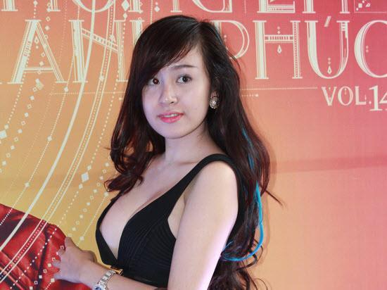 Bức ảnh HOT nhất trong ngày: Bà Tưng xuất hiện với chiếc cằm như muốn rụng-5