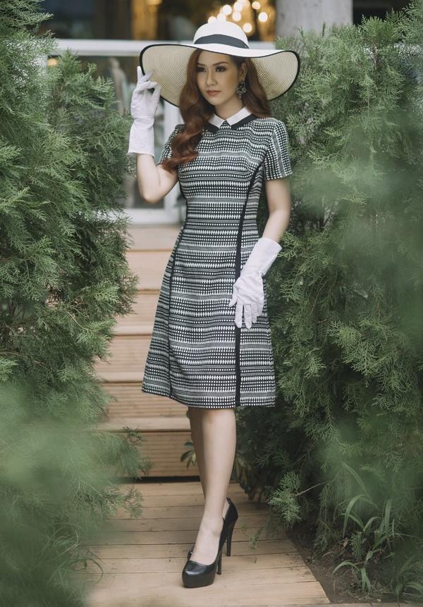 Phi Thanh Vân khoe vòng 1 ngồn ngộn, Mlee mặc váy vóc rườm rà lọt top sao xấu tuần này-8