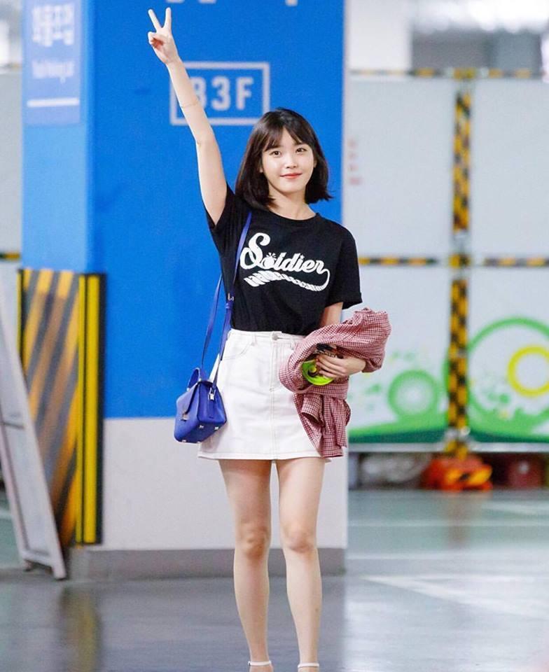 Dara lên đồ cực chất, đứng top 1 sao mặc đẹp trong street style tuần này-4