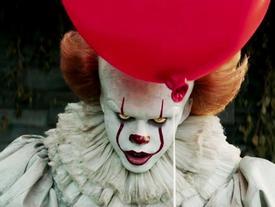 Sau búp bê ma Annabelle, cả thế giới lại khiếp sợ trước gã hề ma quái