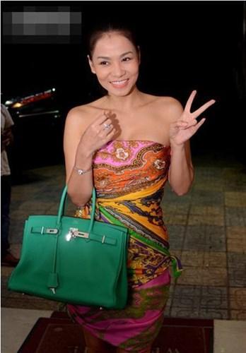 Dàn mỹ nhân Việt chết mê mốt quấn khăn thành áo vô cùng gợi cảm-11