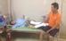 Phòng GD&ĐT huyện Nho Quan (Ninh Bình) cho biết đang yêu cầu lãnh đạo Trường THCS Phú Lộc giải trình vụ việc em Trần Đức Quý (14 tuổi, học lớp 9C) bị cô giáo tịch thu điện thoại, nên đã nhảy lầu, chấn thương nặng. Theo đó 10h ngày 16/8, trong giờ ra chơi, cô giáo chủ nhiệm lớp 9C phát hiện em Quý cầm điện thoại di động nên tịch thu, sau đó gọi điện mời bố mẹ đến trường làm việc. Khoảng 10h30 cùng ngày, chị Vũ Thị Quế (mẹ Quý) đang ngồi làm việc với giáo viên ở văn phòng trường thì nhận được tin con trai gieo mình từ lớp học ở tầng 3 xuống đất. Nam sinh sau đó được gia đình và thầy cô khẩn trương đưa đi cấp cứu. Bác sĩ Bệnh viện đa khoa tỉnh Ninh Bình kết luận Quý bị gãy chân phải, xương gót chân cả hai bàn cũng bị vỡ.