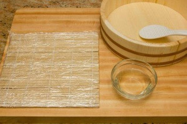 Cuối tuần đổi món với cơm cuộn kiểu rồng sang chảnh, hấp dẫn-1