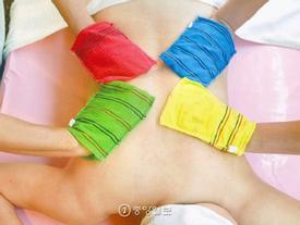 Hóa ra bí kíp dưỡng da của toàn Đại Hàn Dân Quốc lại gói gọn trong cái bao tay chưa đến 1 USD