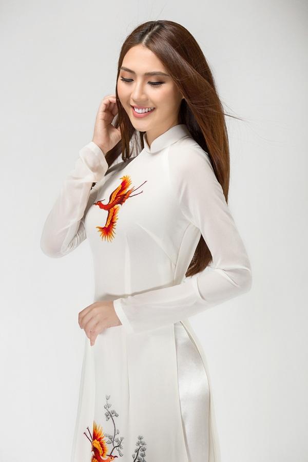 Vừa ẵm giải Á quân The Face, Tường Linh tiếp tục chinh chiến Hoa hậu Liên lục địa 2017-2