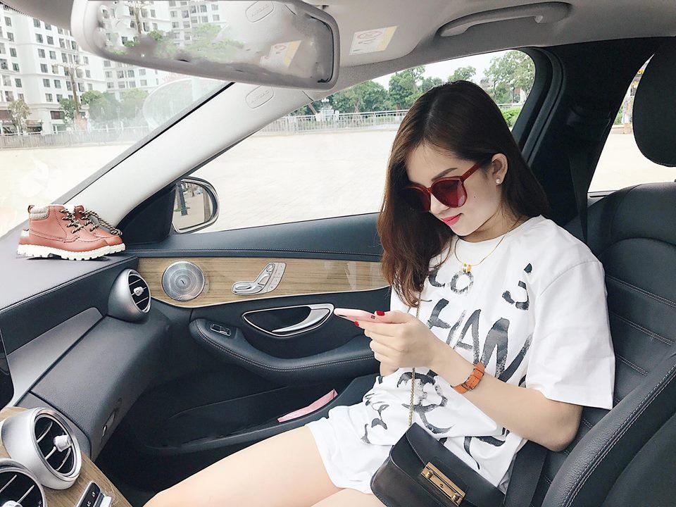 Hot girl - hot boy Việt 28/8: Khánh Linh The Face bị trộm móc túi-4